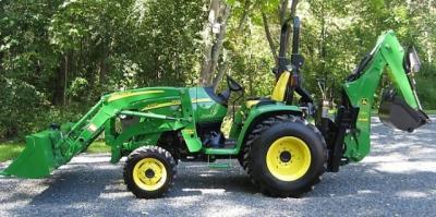 2007 John Deere 3320 4WD Tractor Loader Backhoe