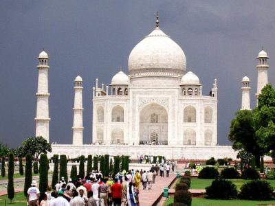 Delhi to Taj Mahal Bus Packages