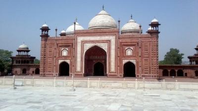 Delhi to Taj Mahal Bus Packages