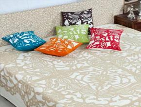 Buy wholesale women's clothing and home decor at best prices!