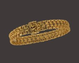 Exclusive and unique gold or silver jewelry in.