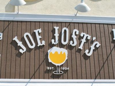 Unique Tavern in Long Beach CA