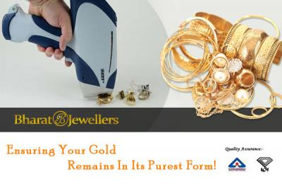 Jewellery in Gold with Jewellery Cleaning Services