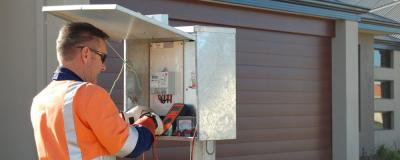 Get help from commercial electrician when it's emergency