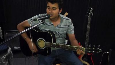 Guitar Classes in Noida