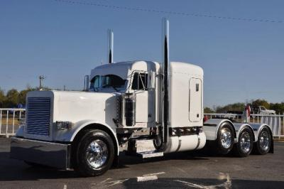 2005 Peterbilt 379 Commercial Truck