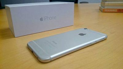 Am selling :Brand new unlocked original iphone 6 plus 128gb/Samsung Galaxy S6