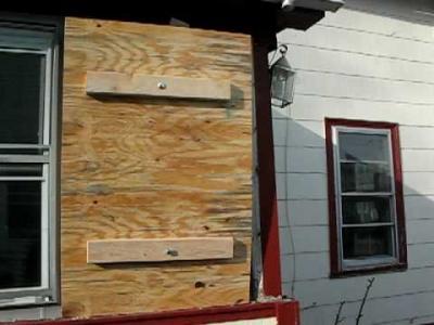 Emergency Window Glass Repair | Call on 703-675-2079
