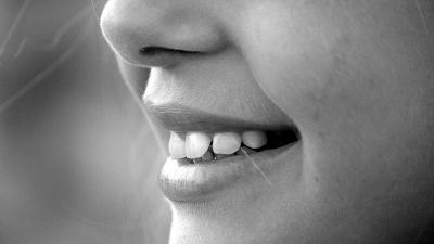 Cosmetic Dentist for Teeth Whitening Treatment