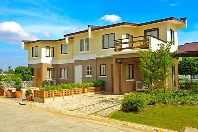 3 bedroom house near school and malls