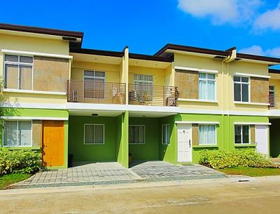 4 bdr house gated w balcony nr transport and school